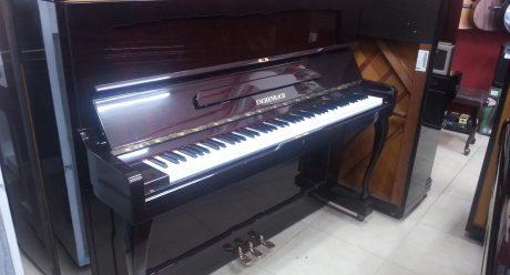 פסנתר Eschenbach