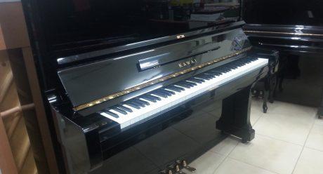 פסנתר KAWAI BL61