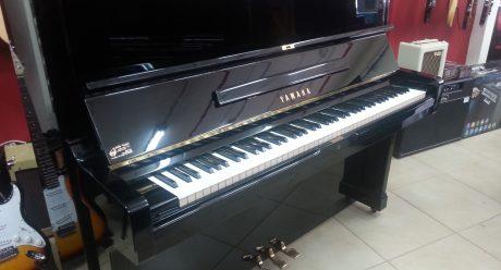 פסנתר YAMAHA U2