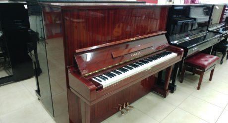 פסנתר YAMAHA U3