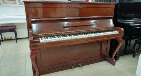 פסנתר תוצרת גרמניה
