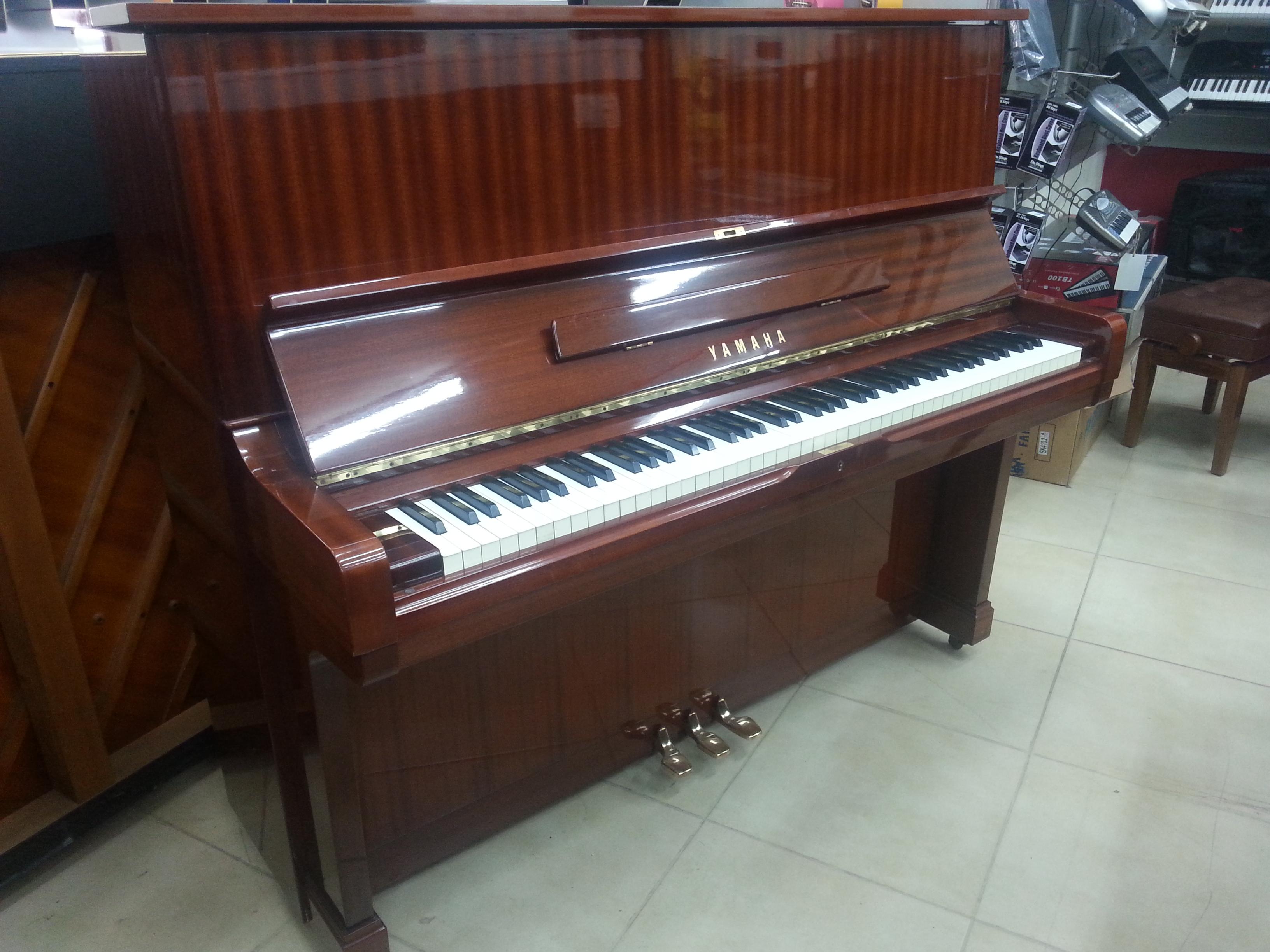 פסנתר יד שניה Yamaha U2 בצבע חום