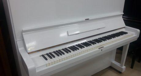 yamaha u3 פסנתר לבן