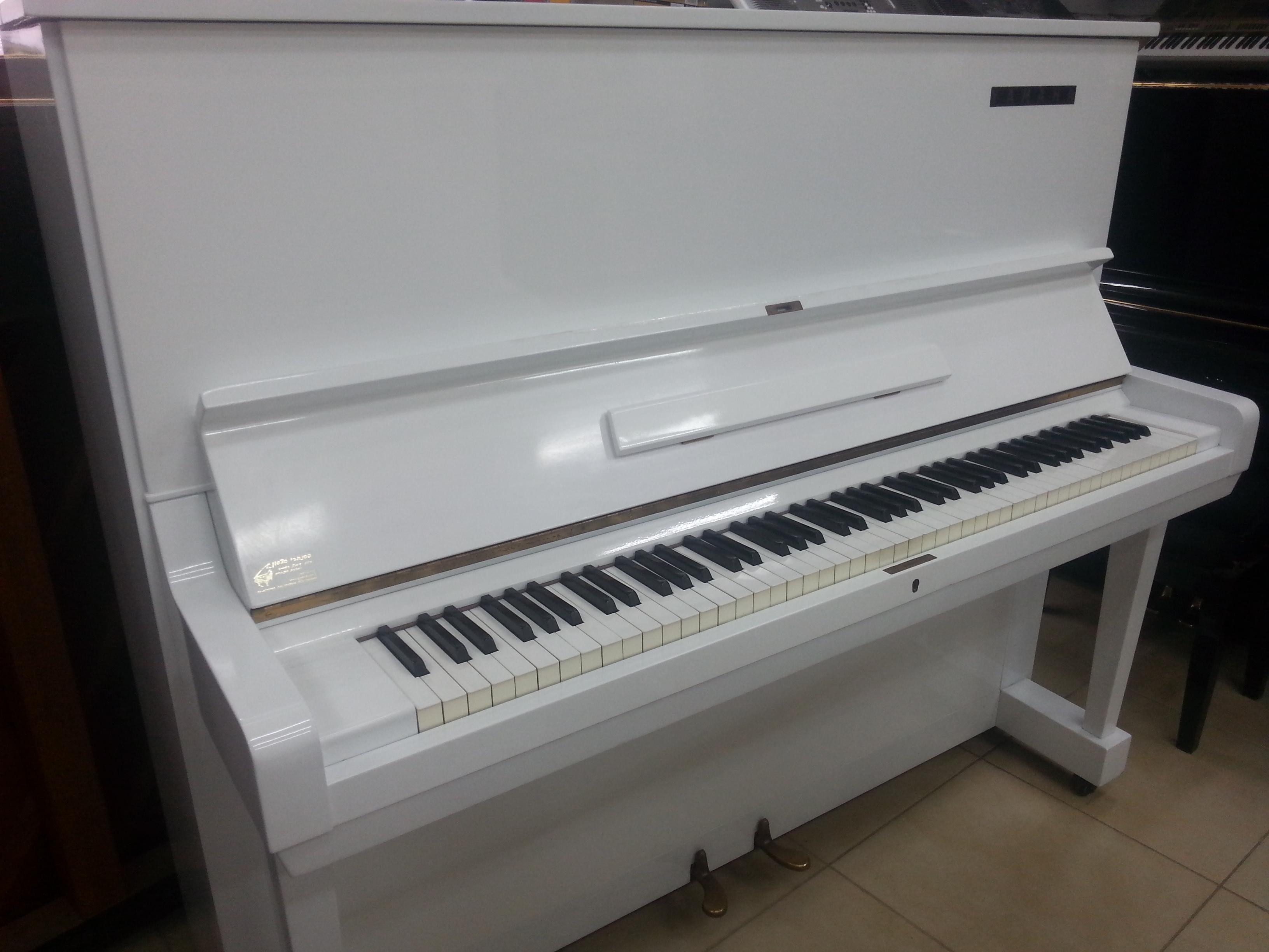 מפואר YAMAHA U3 יד שניה, פסנתר לבן, במצב כמו חדש - פסנתרי הצפון OM-18