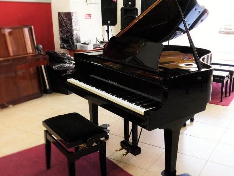 בנפט פסנתר כנף יד שניה של חברת YAMAHA G2 - פסנתרי הצפון VI-66