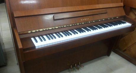 פסנתר-kawai-ce7