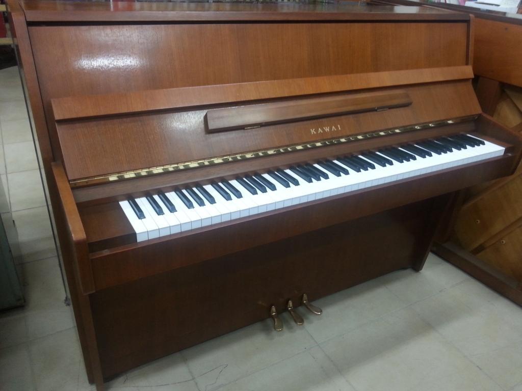 פסנתר יד שניה Kawai CE7
