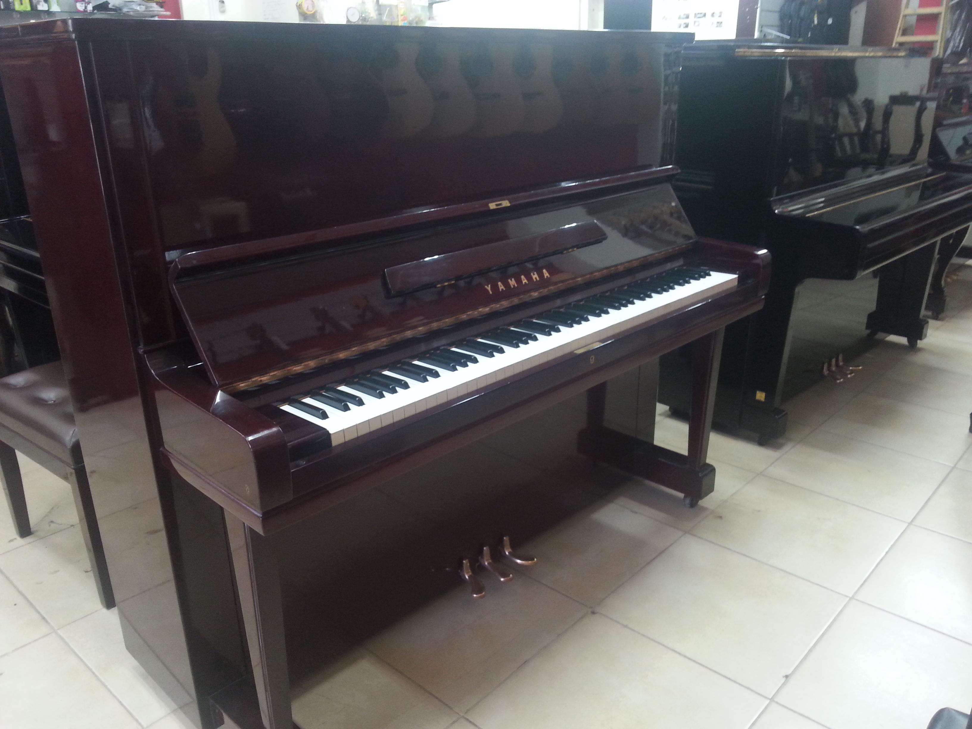 פסנתר Yamaha U3 מהגוני